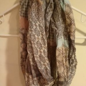 Infinity Patterned scarf